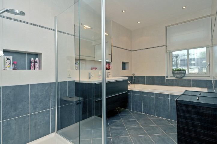 Nieuwbouw badkamer in Berkenwoude